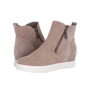 Blondo Giselle waterproof suede sneakers tan NEW 9